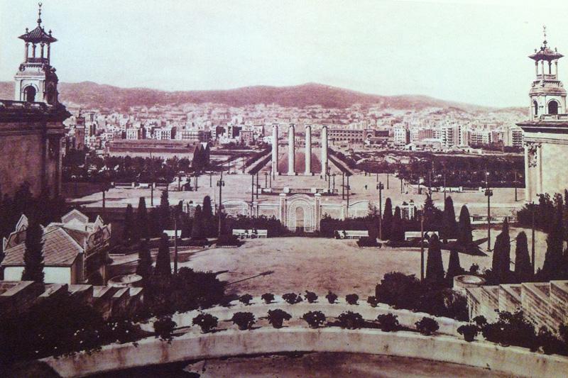 Columnas Montjuïc Puig i Cadafalch