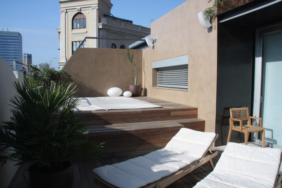 Alquiler ático con terraza en Diagonal, cerca de Francesc Macià